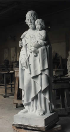 saint peter sculpture carved in marble
